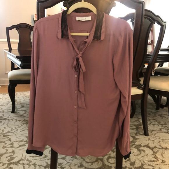LOFT Tops - 4/$25 Loft mauve blouse with tie neck ; large